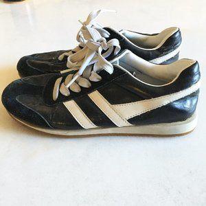 3/$50 -Smart Set vintage black white track sneaker